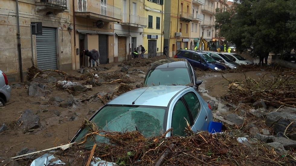 مقتل 3 على الأقل في فيضانات بجزيرة سردينيا الإيطالية