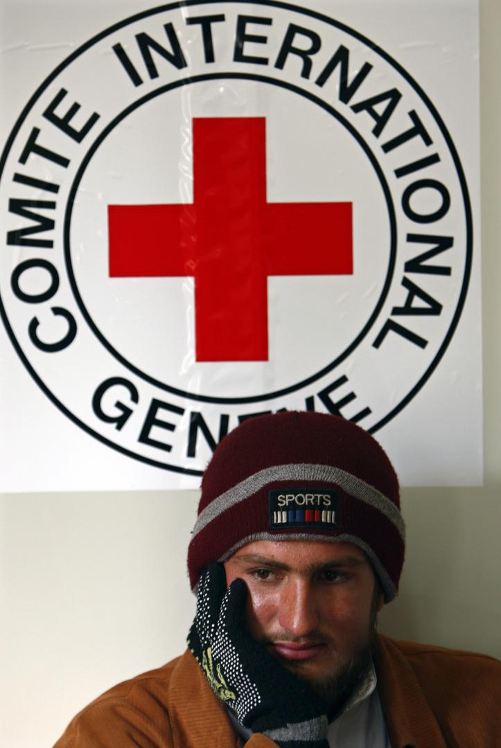 الصليب الأحمر تعلن اختطاف أحد موظفيها على يد مجهولين في أفغانستان