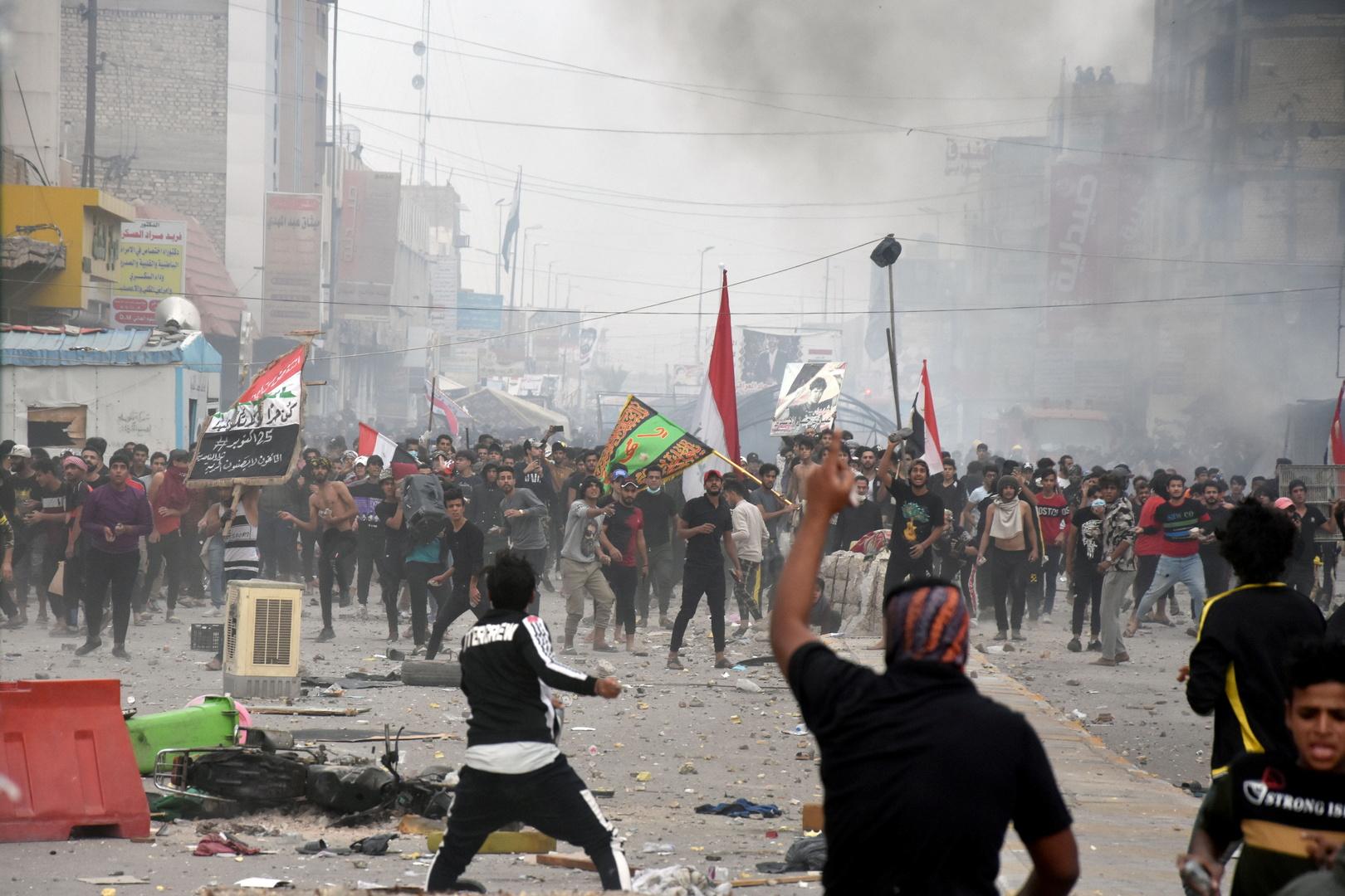 اشتباكات بين متظاهرين مناهضين للحكومة وأنصار