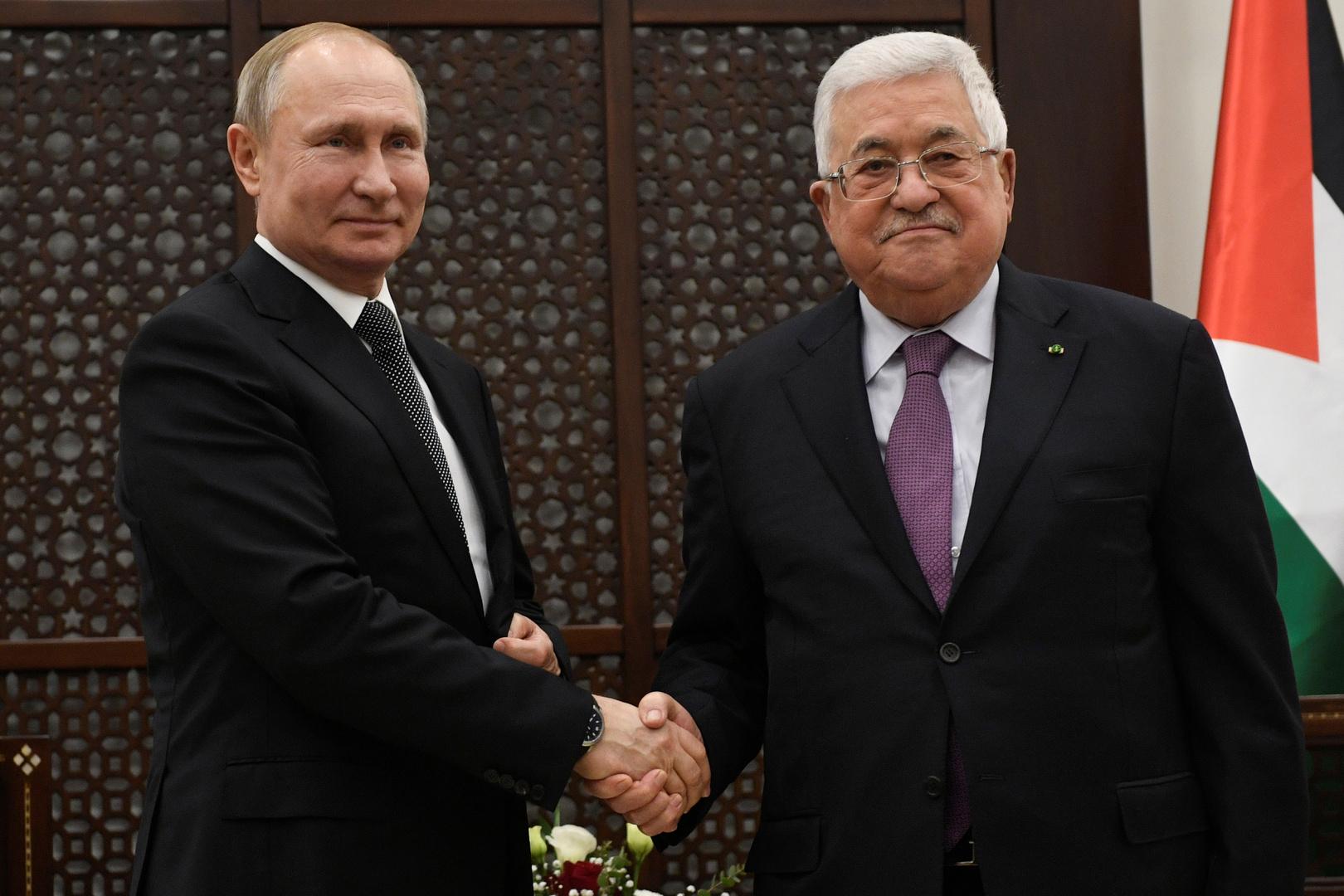 الرئيس الفلسطيني يصل القاهرة للقاء نظيره المصري