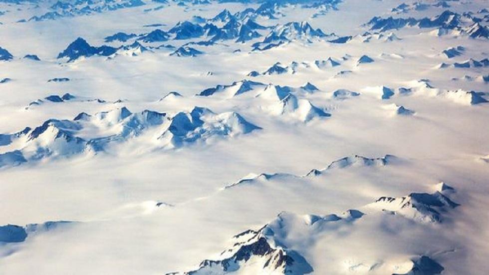 علماء الآثار يعثرون على قطع أثرية فريدة بعد ذوبان الجليد