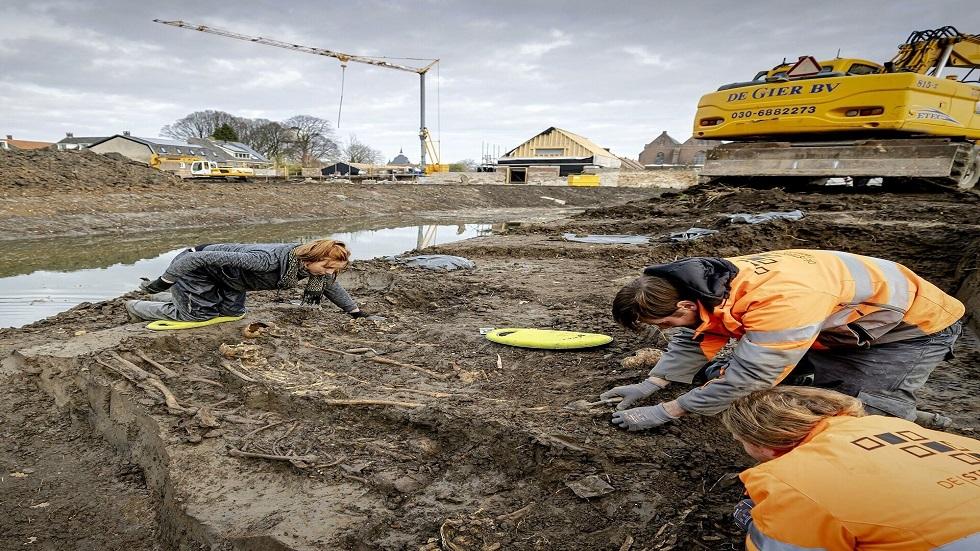 اكتشاف مقبرة غامضة في هولندا