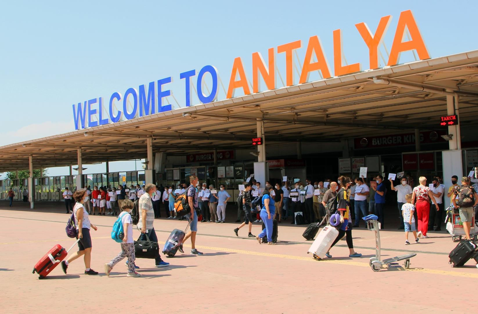 مع تزايد الإصابات بكورونا.. هل تغلق تركيا حدودها في وجه السياح الأجانب؟