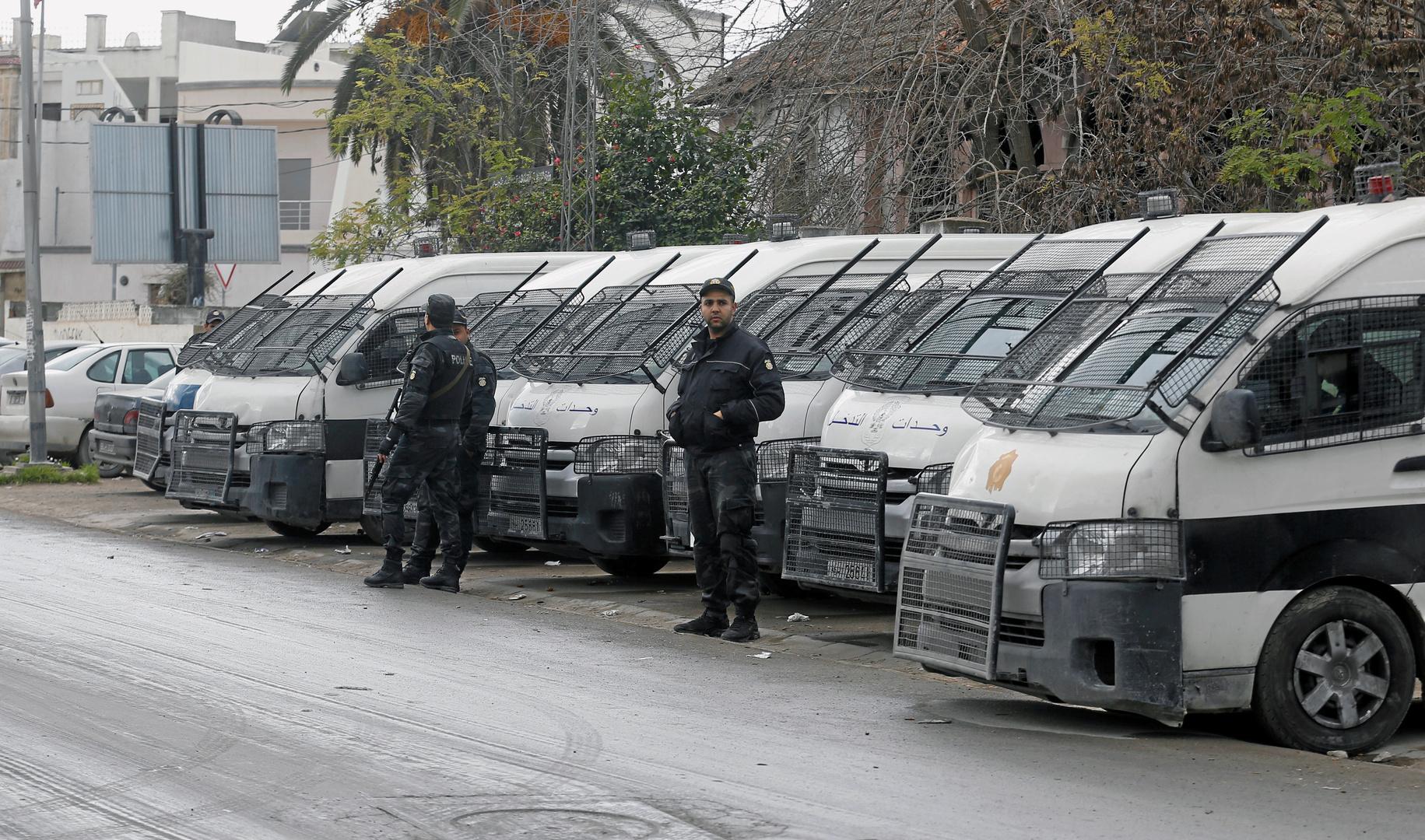 رئيس الحكومة التونسية يأمر بالتحرك الفوري لإعادة تشغيل مواقع الإنتاج