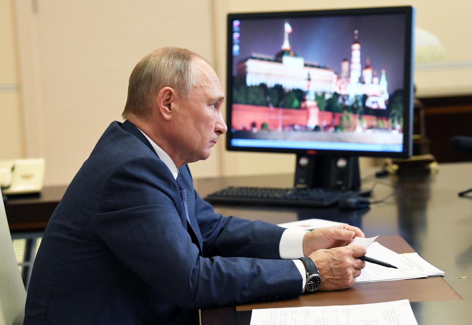 بوتين يوجه ببدء حملة التطعيم الجماعي ضد فيروس كورونا في روسيا اعتبارا من نهاية الأسبوع المقبل