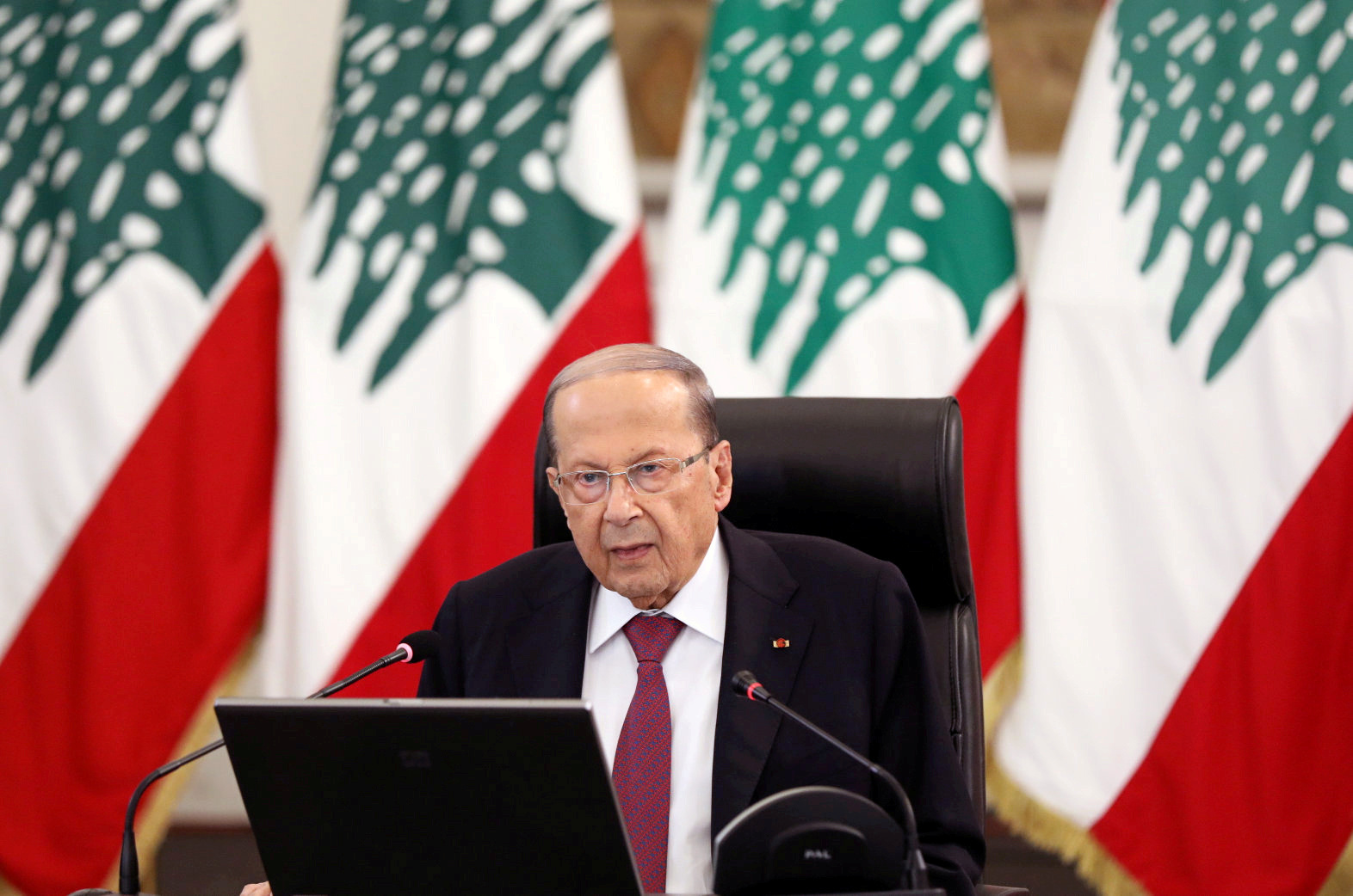 ميشال عون: مصمم على متابعة مسيرة تحرير لبنان من الفساد وعلى المجتمع الدولي ألا يتخلى عنا