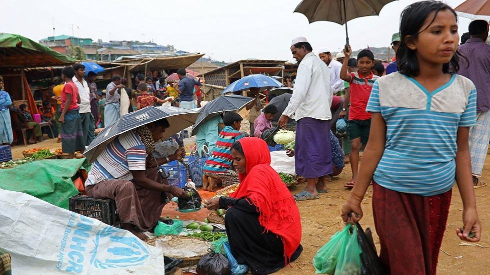 جماعات حقوقية تحث بنغلاديش على عدم نقل الروهينغا إلى جزيرة نائية