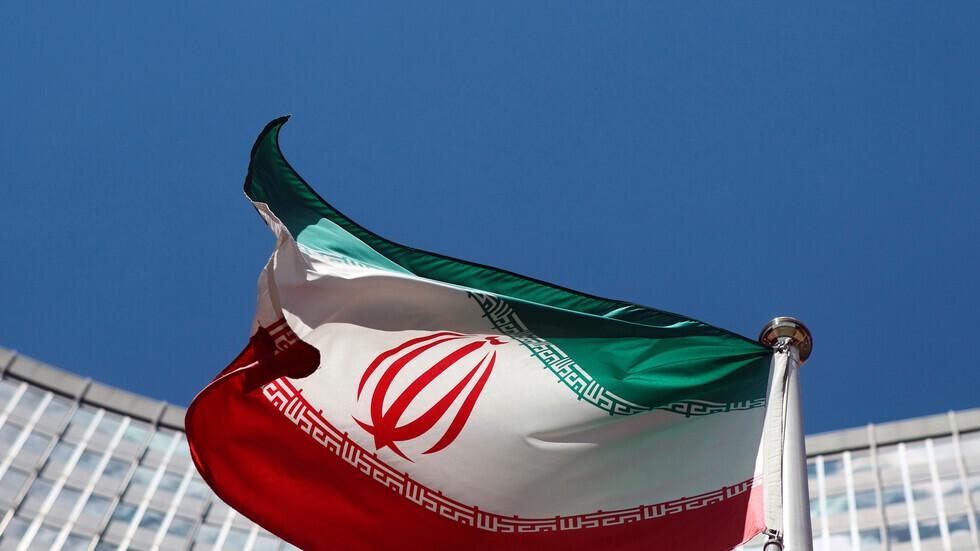 لماذا أقرت إيران قانونا تنسحب بموجبه عمليا من الصفقة النووية