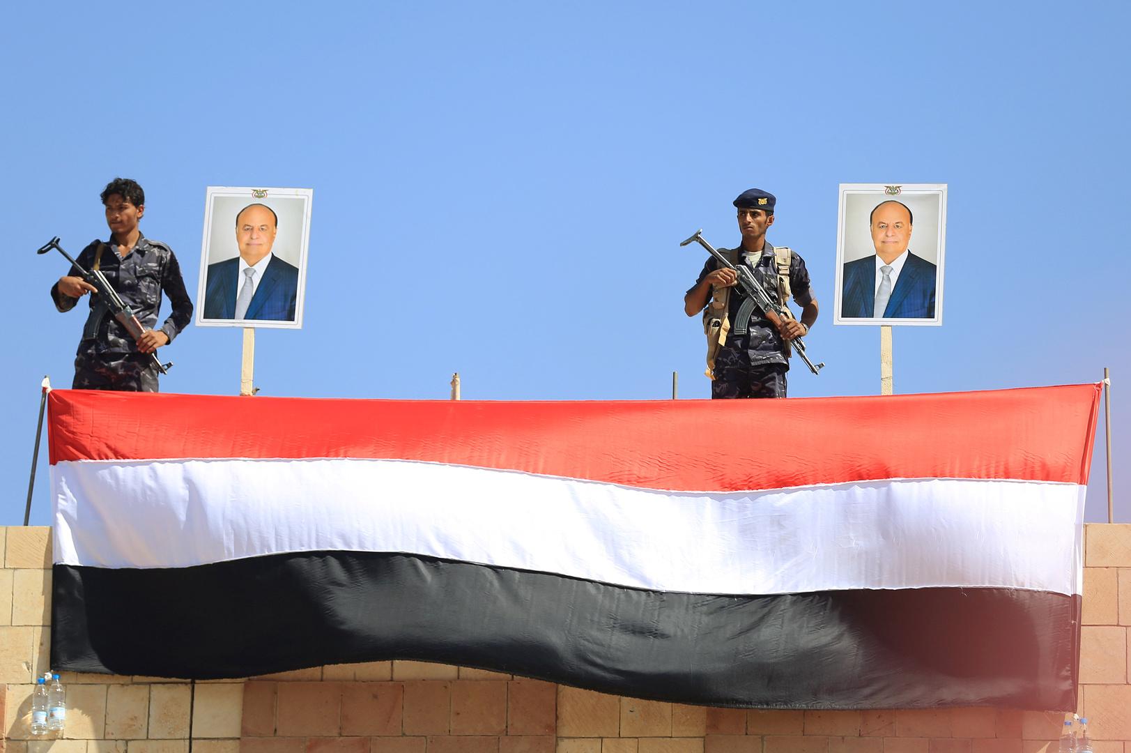 الحكومة اليمنية: مقتل 8 أشخاص جراء قصف على موقع صناعي في الحديدة