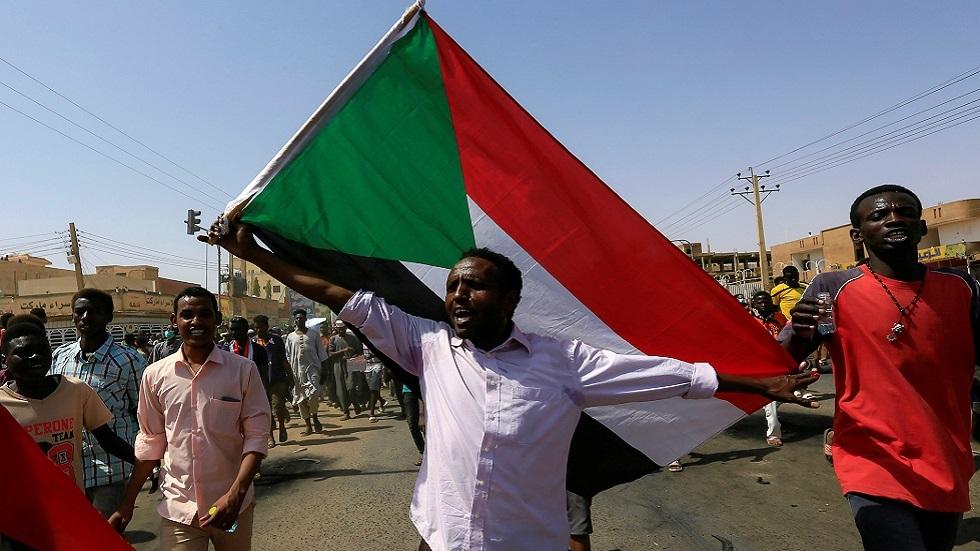 تجمع المهنيين السودانيين يندد بدور قوى الحرية والتغيير في تشكيل