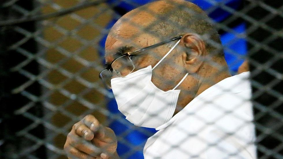 وسائل إعلام: نقل عمر البشير إلى المستشفى إثر تدهور صحته