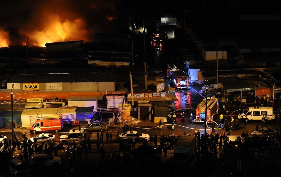 حريق في سوق بمدينة روستوف على الدون بجنوب روسيا