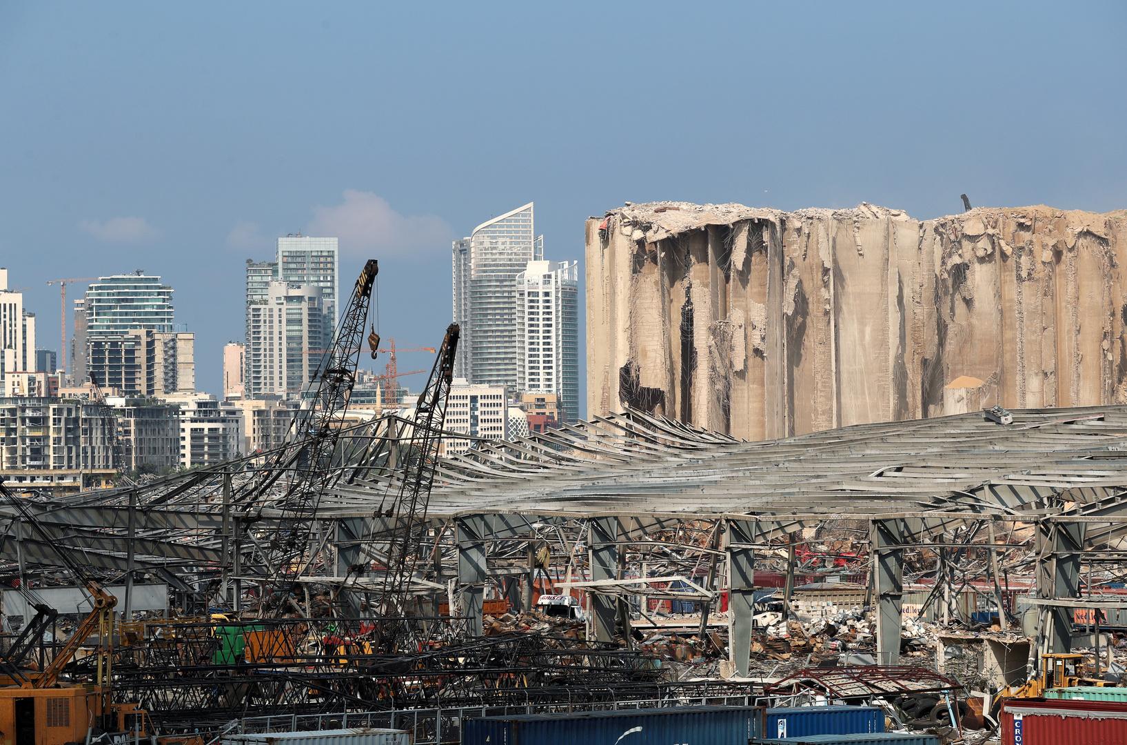 مرفأ بيروت المدمر في لبنان إثر انفجار