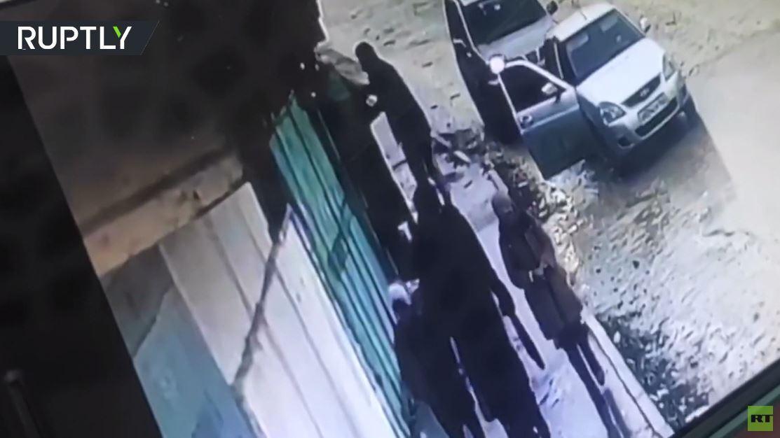 بالفيديو.. موظف دار الإفتاء في داغستان ينقذ فتاة من الاختطاف