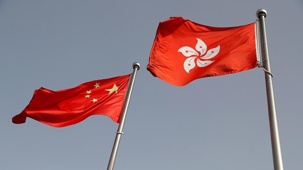 واشنطن تقيّد تأشيرات عدد من كبار المسؤولين الصينيين
