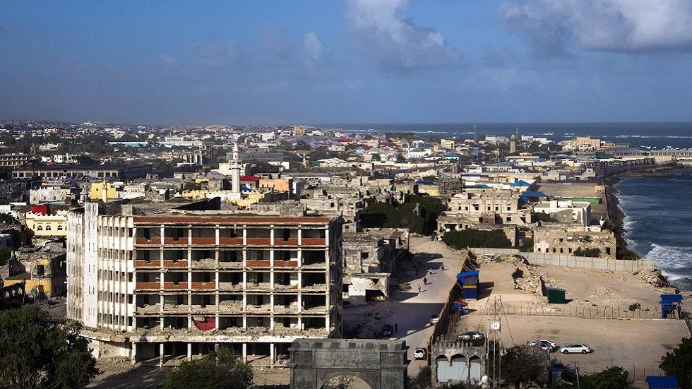 السفير الأمريكي يحدد موقف بلاده من الانتخابات الصومالية