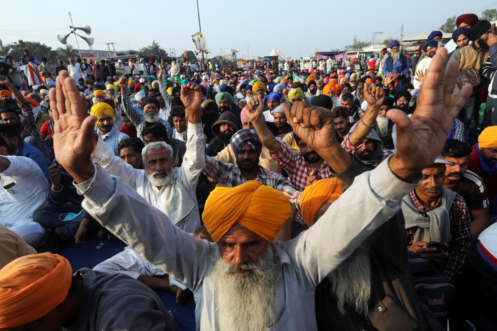 الهند .. إصابات كورونا تبلغ 9.8 مليون حالة