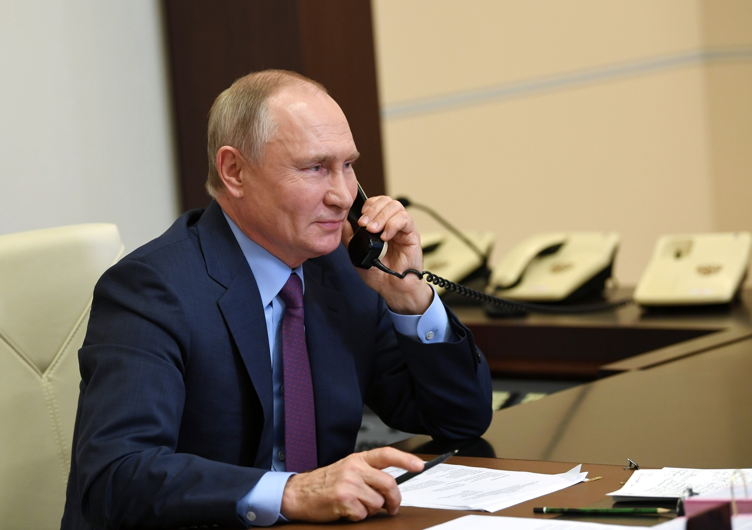 بوتين يحقق أمنية لإحدى المحاربات القدامى