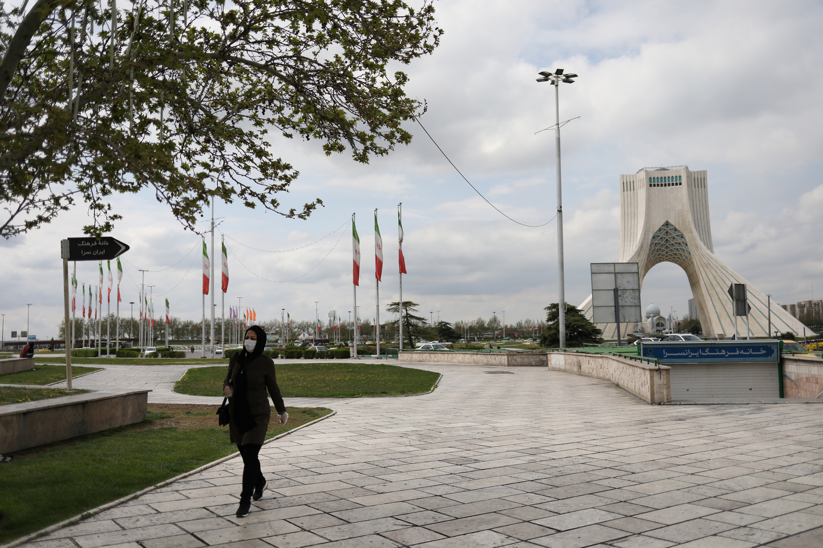 فرنسا وألمانيا تدينان إعدام صحفي إيراني معارض وتذكران طهران بالتزاماتها الدولية