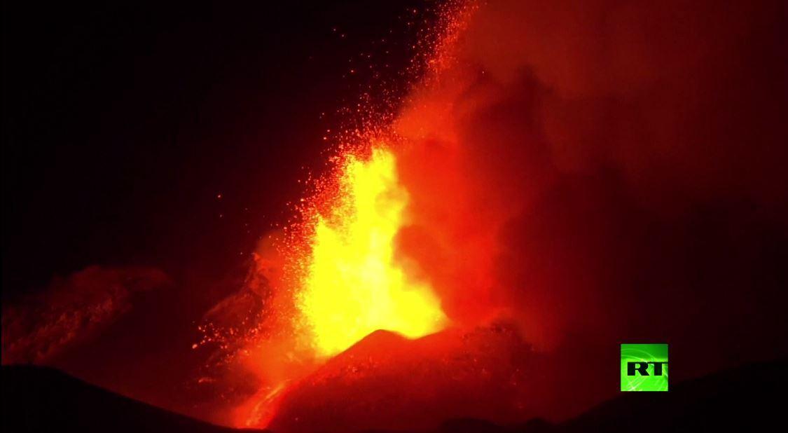 بالفيديو.. ثوران بركان إتنا