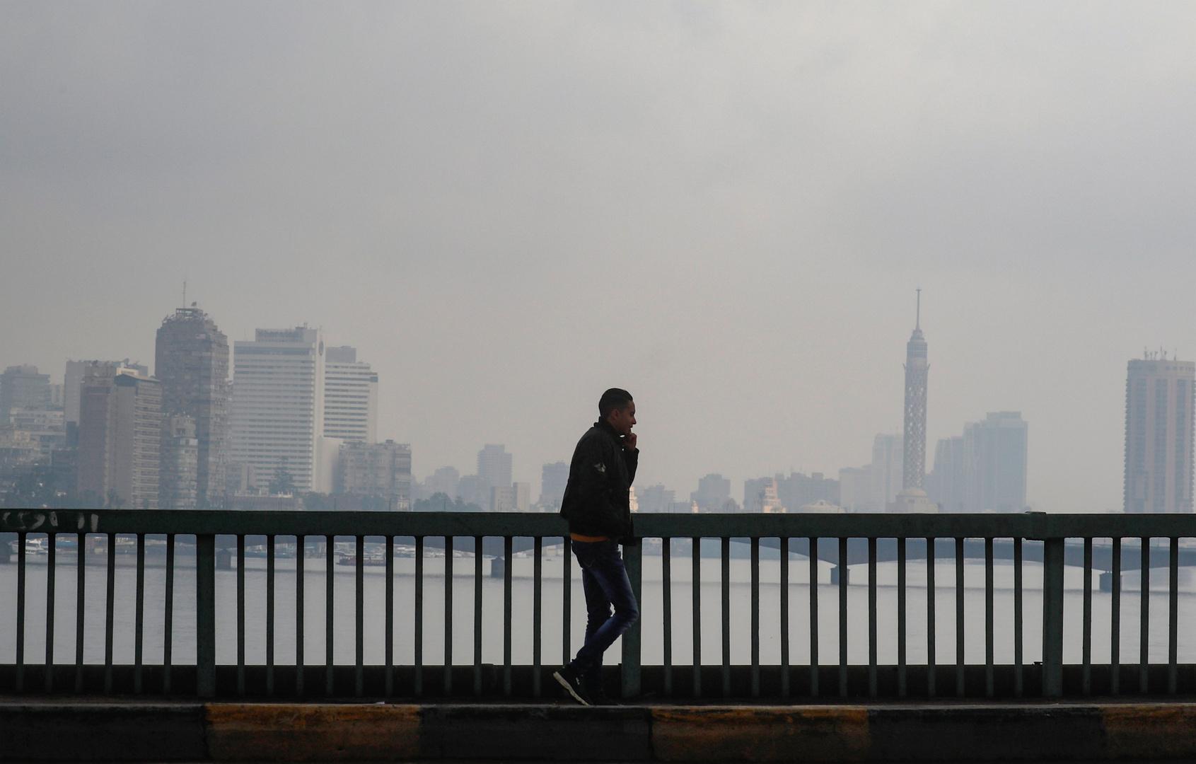 مصر.. الحكومة تطلب من المواطنين البقاء في المنازل