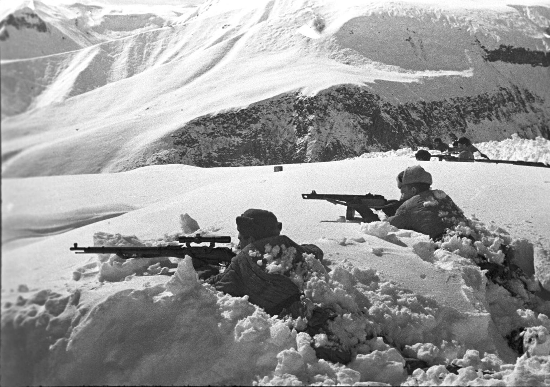 الاستخبارات الخارجية الروسية تكشف عن خطط ألمانيا النازية لاستخدام أسلحة كيميائية في القوقاز عام 1942