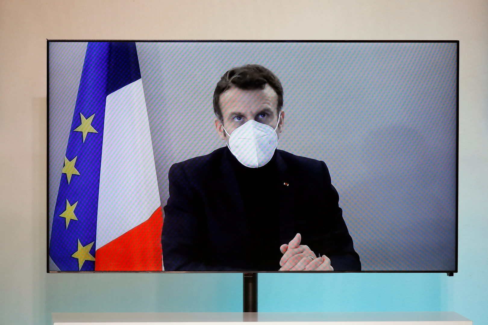 Elysee reveals the latest developments in the health of Macron, who is infected with