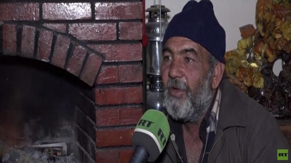 سوريون يستخدمون الحطب او البلاستيك للتدفئة خلال الشتاء