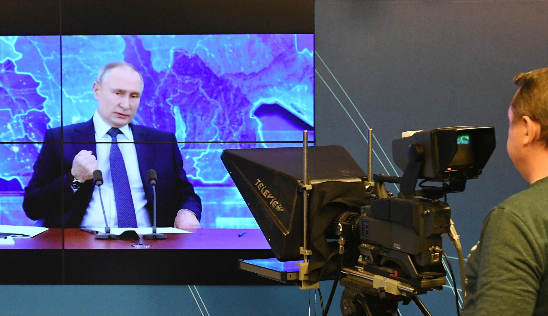 بوتين يهنئ مركز
