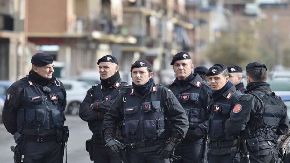 إيطاليا.. اعتقال امرأة قتلت شخصين من ألبانيا ووضعت جثتيهما في حقائب