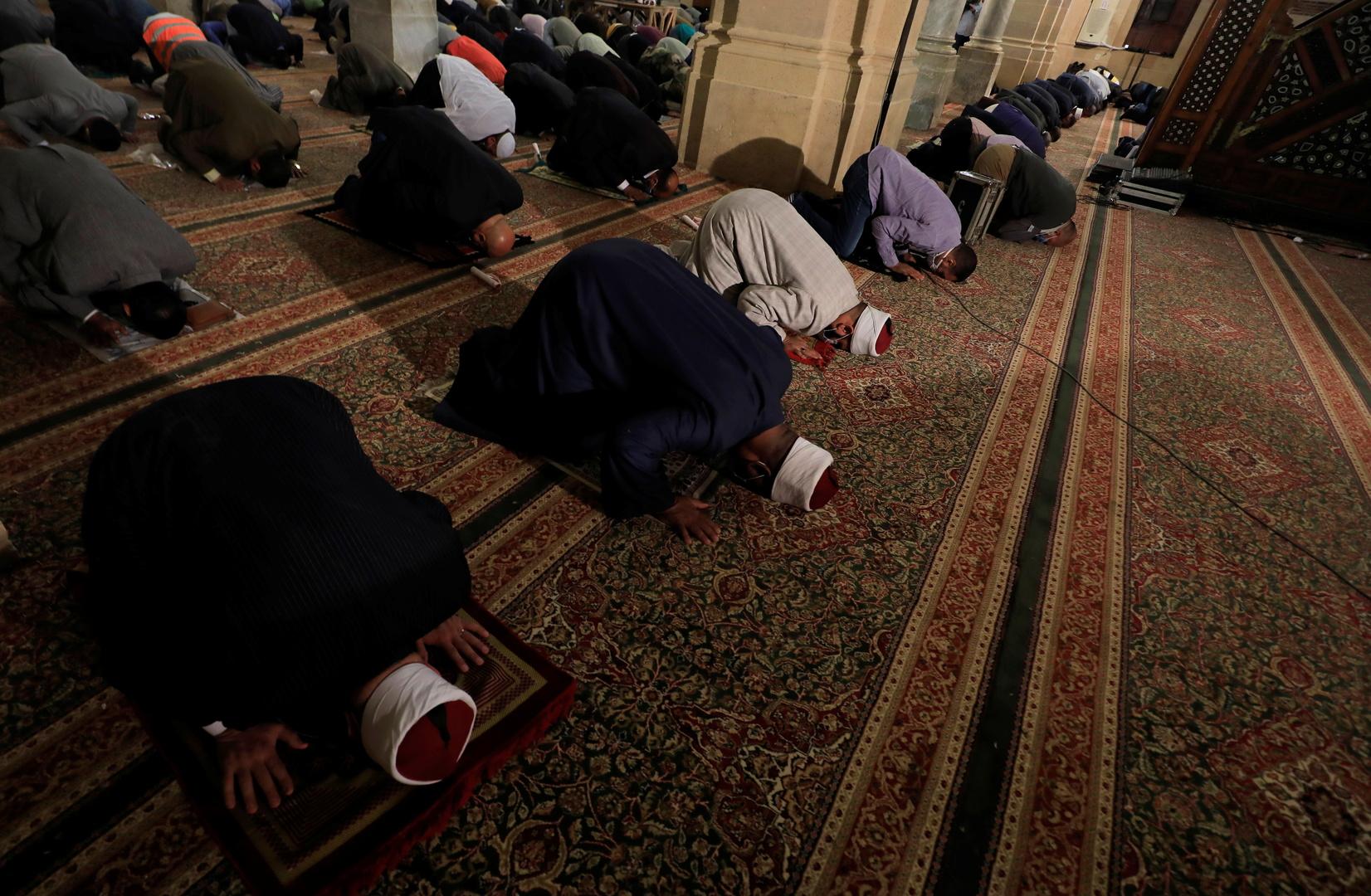 Egypt announces strict measures to close mosques