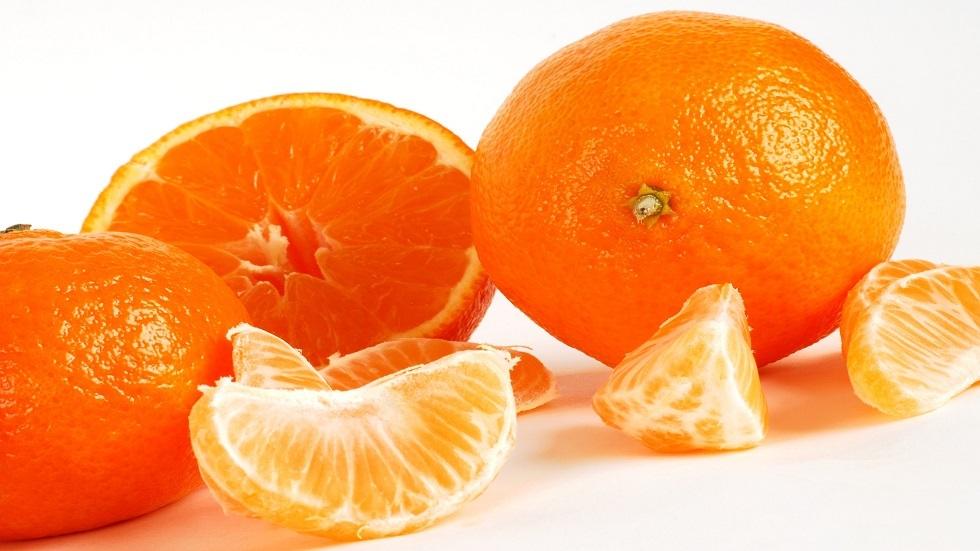 خبراء التغذية يكشفون فوائد اليوسفي ومضاره