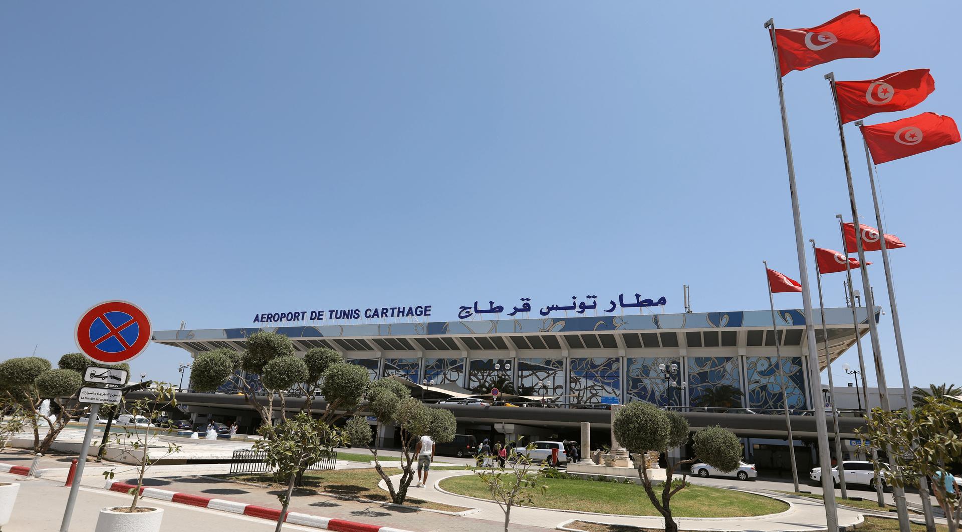تونس تضيف الدنمارك إلى قائمة حظر السفر بسبب مخاوف من كورونا المتحور