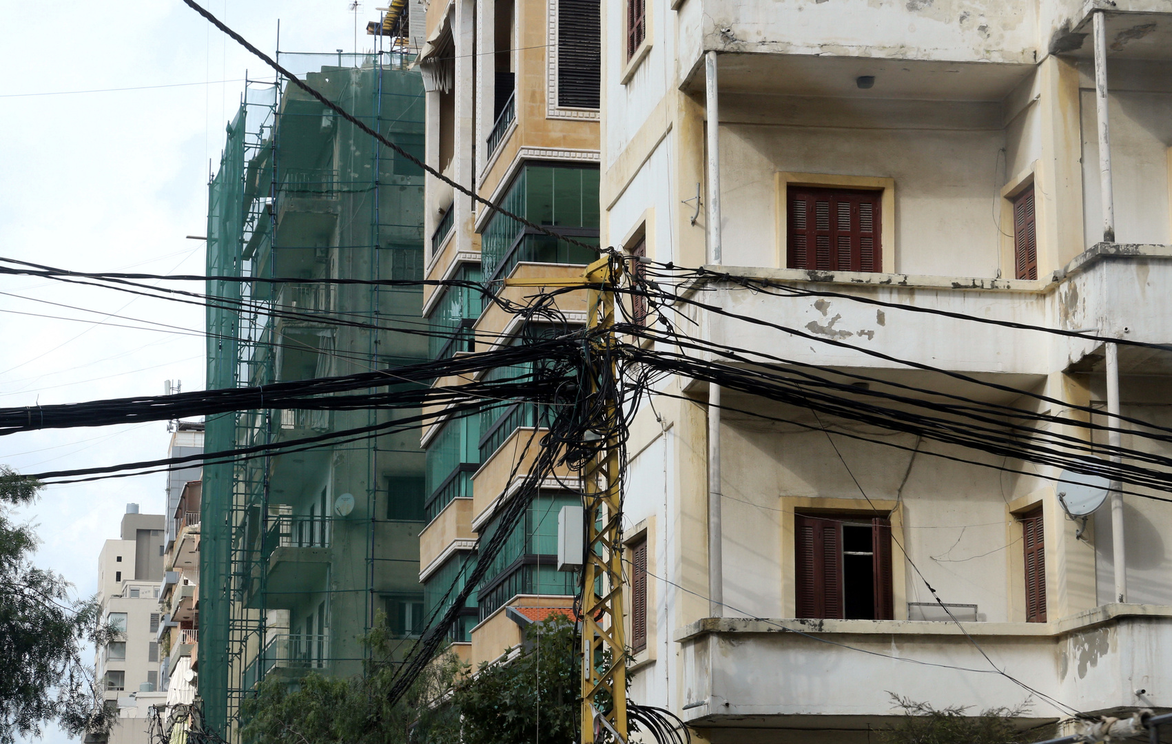 نائب لبناني: قانون قيصر وراء انقطاع الكهرباء