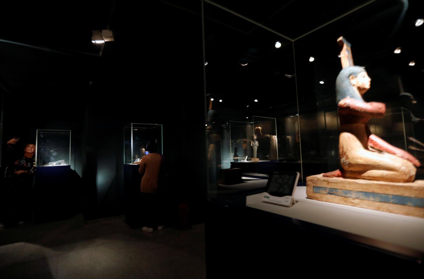الكشف عن خطة القنصل الإيطالي في مصر لتهريب 22 ألف قطعة أثرية