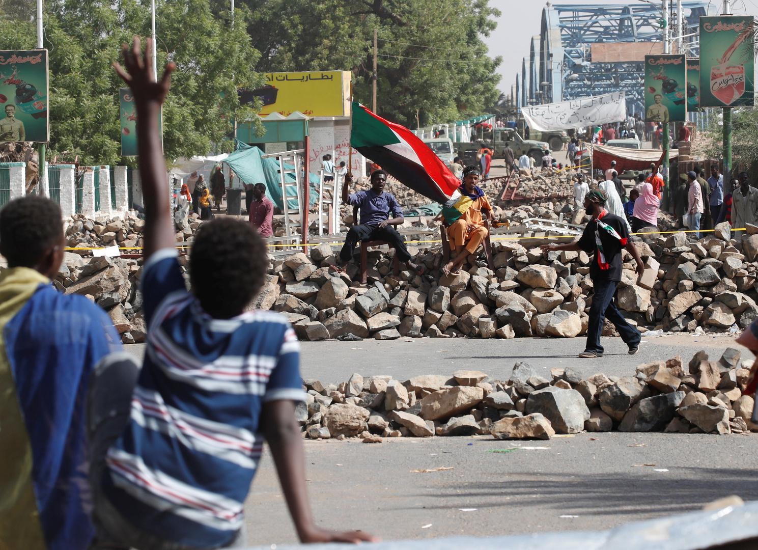 السودان.. الآلاف يحيون ذكرى