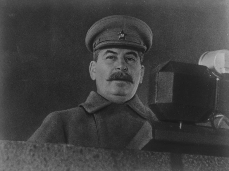 لحظة توقيع هتلر خطة غزو الاتحاد السوفيتي.. أسرار عمرها 80 عاما