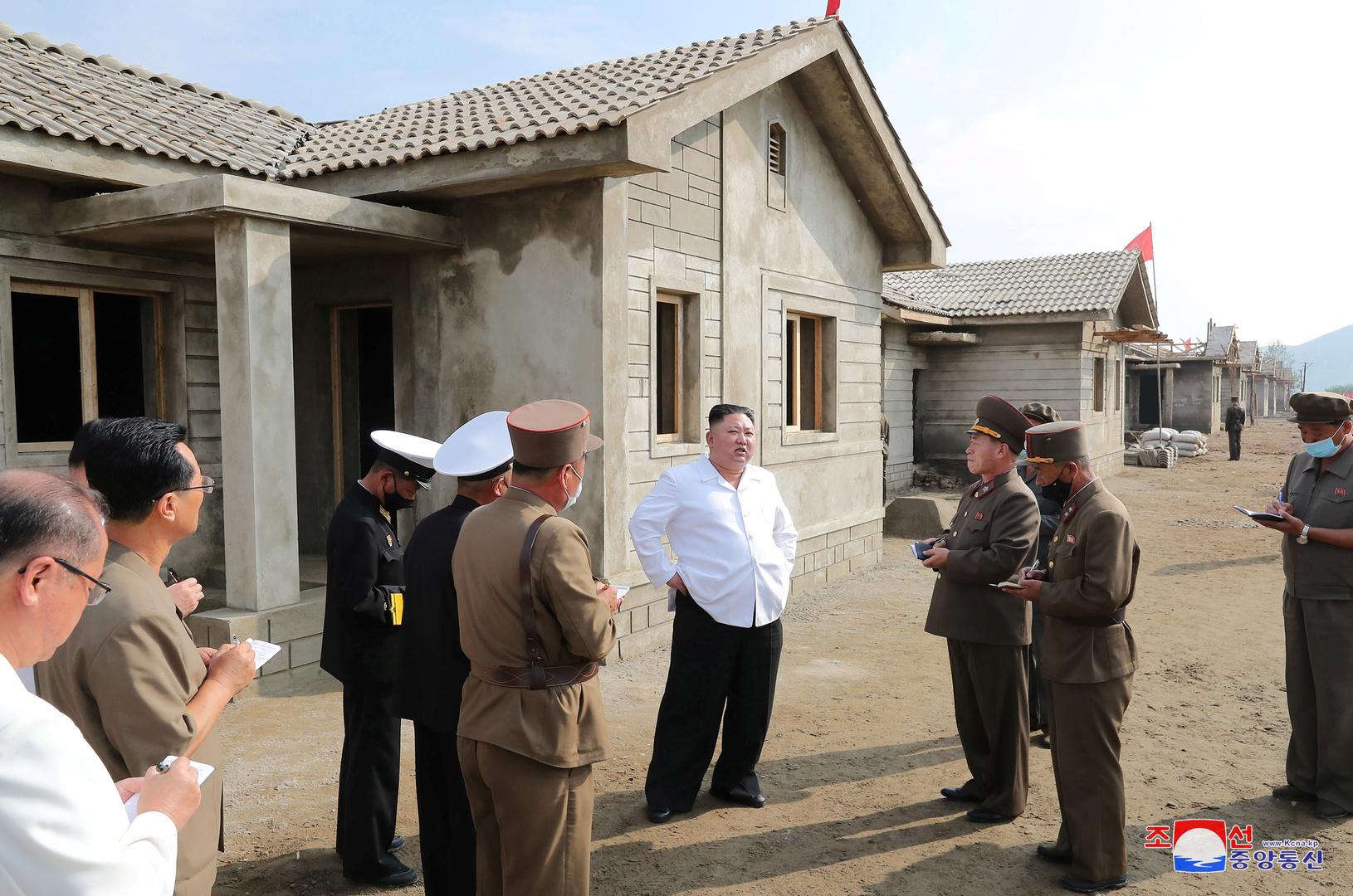كيم جونغ أون الزعيم الكوري الشمالي.