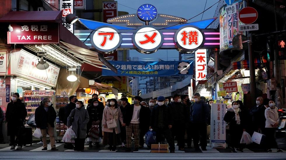 حاكمة طوكيو تحذر من انفجار محتمل في حالات الإصابة بكورونا