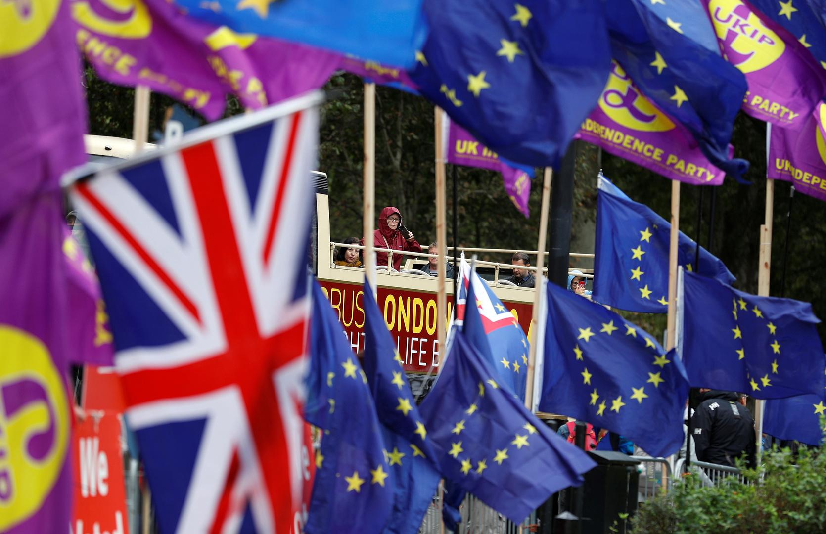 الاتحاد الأوروبي يوقع رسميا اتفاقية للتجارة مع بريطانيا لما بعد