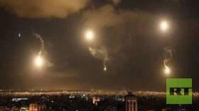 شاهد.. الدفاعات الجوية السورية تتصدى لصواريخ إسرائيلية فوق مصياف
