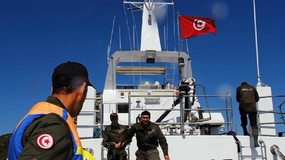 تونس تحتجز مركبي صيد مصريين في مياهها الإقليمية