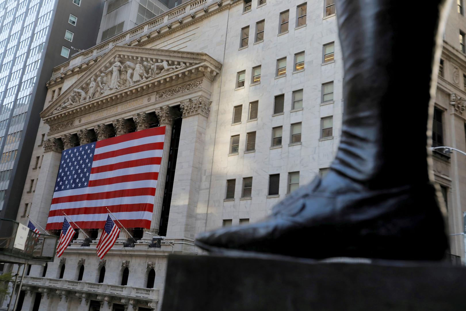 بورصة نيويورك تبدأ إلغاء إدراج 3 شركات اتصالات صينية