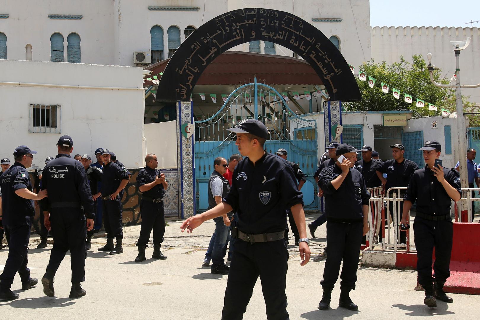 الجزائر تحاكم تاجر المخدرات