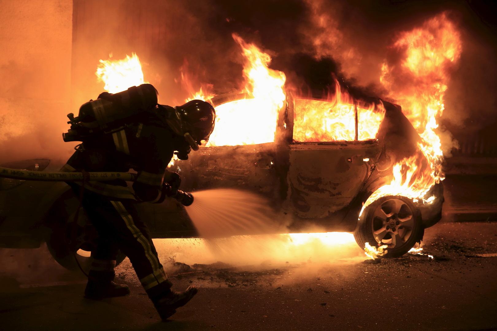 رأس سنة  في فرنسا.. إحراق نحو 60 سيارة ومصرع شخص بألعاب نارية
