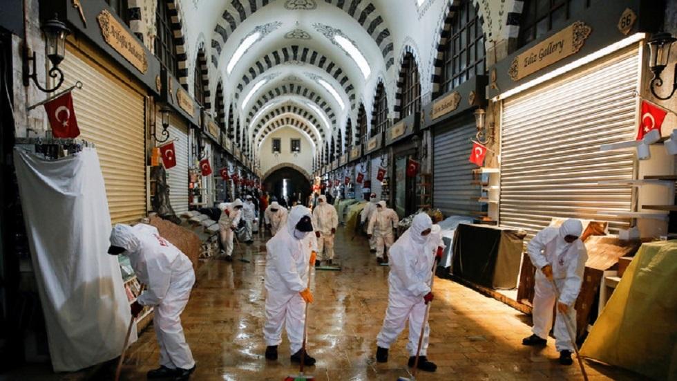 تركيا.. 212 وفاة جديدة بكورونا مع بدء حظر التجول