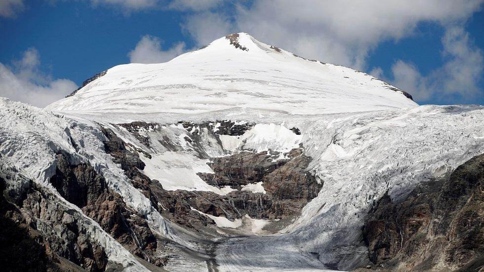 النمسا.. سقوط فتاة من ارتفاع 650 قدما فور طلب يدها للزواج