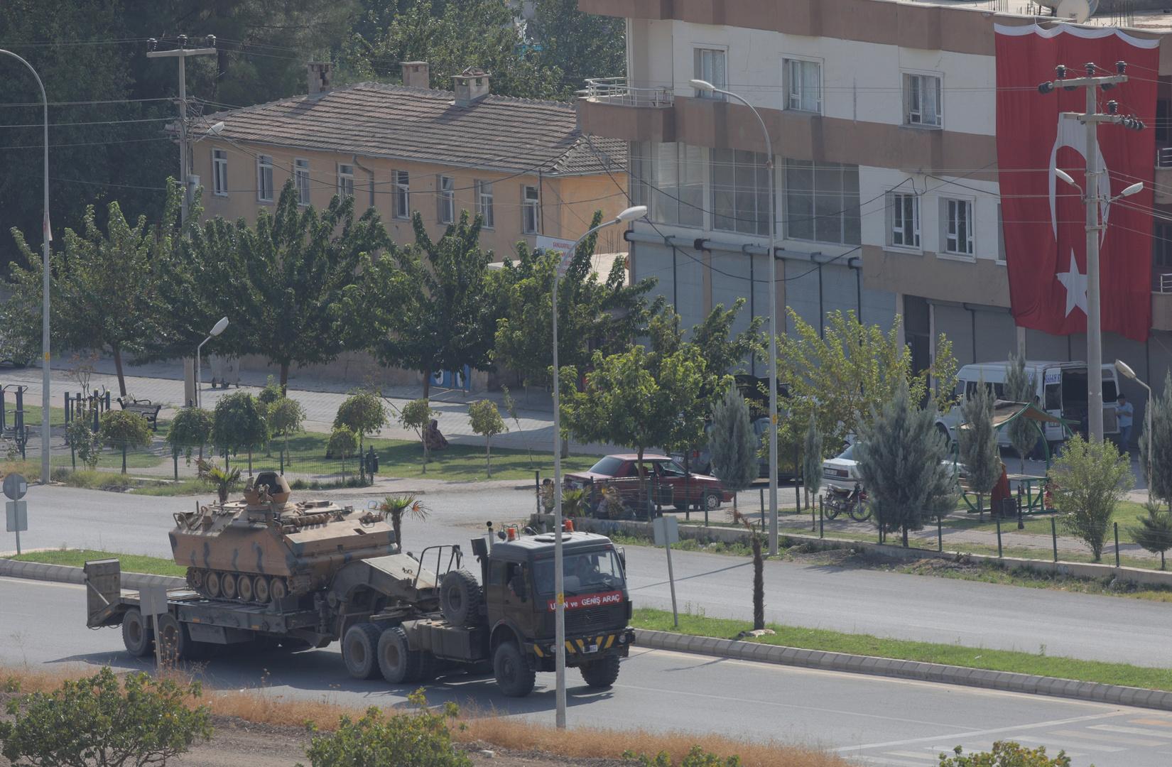 آليات للجيش التركي عند الحدود السورية