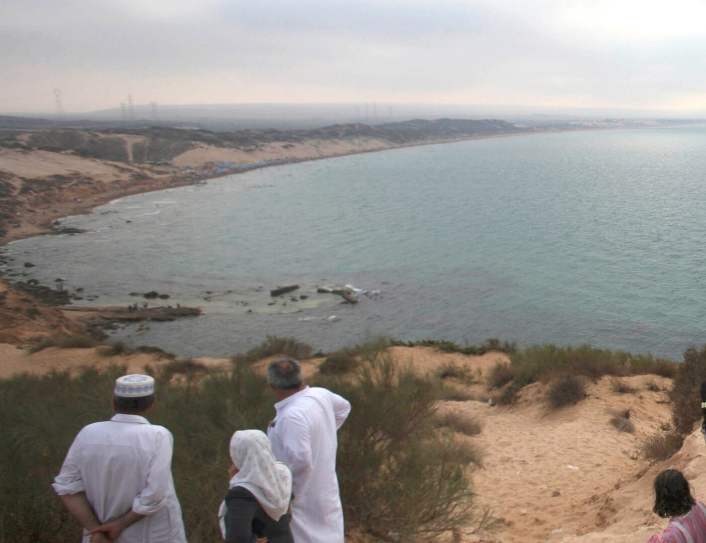 أمواج البحر تلقي7 جثث على شاطئ بمستغانم الجزائرية