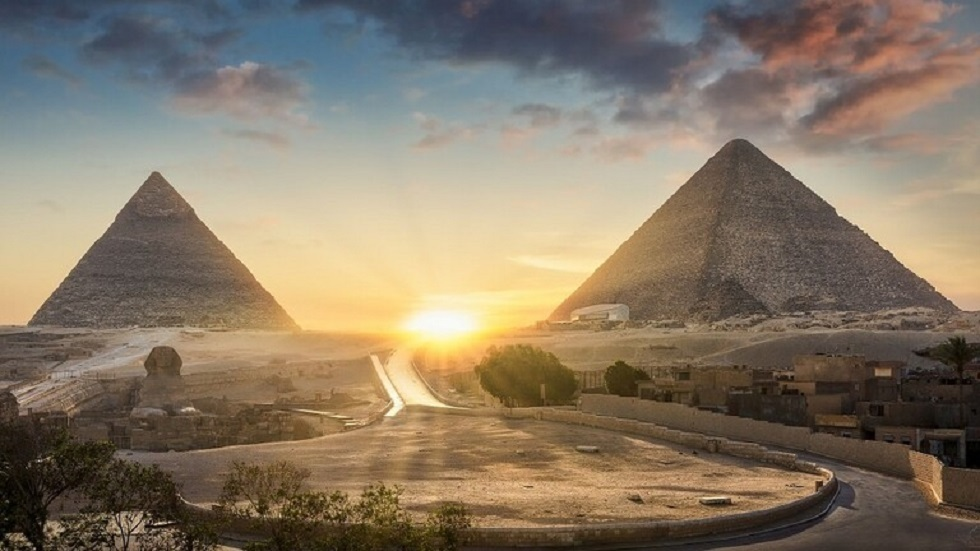 الأهرامات المصرية - أرشيف